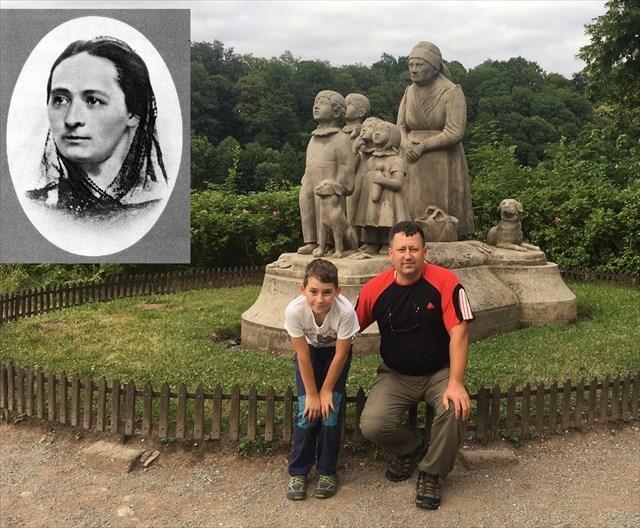 B.Nemcová a socha Babička