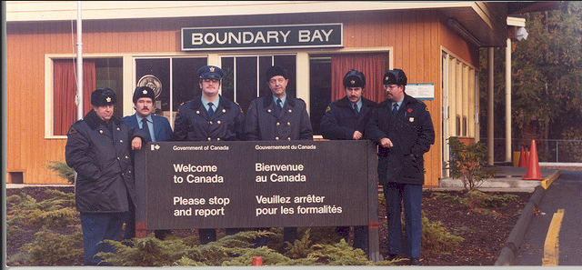 Boundary Bay Customs, by Vince Alongi, CC BY 2.0, cropped from original