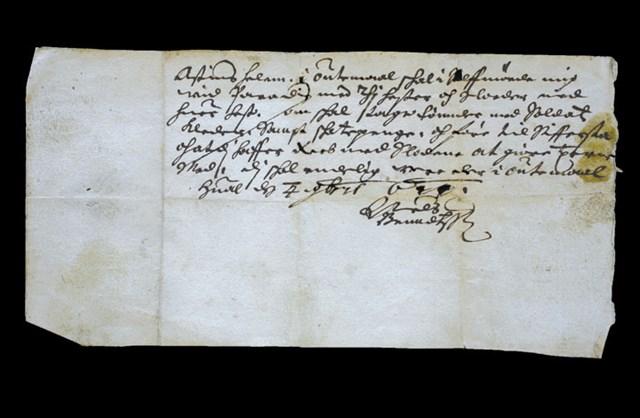 Det gamle brevet fra 1644 der futen, Niels Bendtsen, beordrer Augustinus Hellum om å møte ham ved Paradis med 10 hester og sleder.