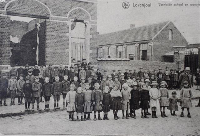 vernielde school