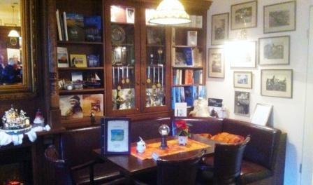 Ein Tisch im Cafe