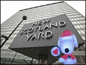 Snoopy at Scotland Yard