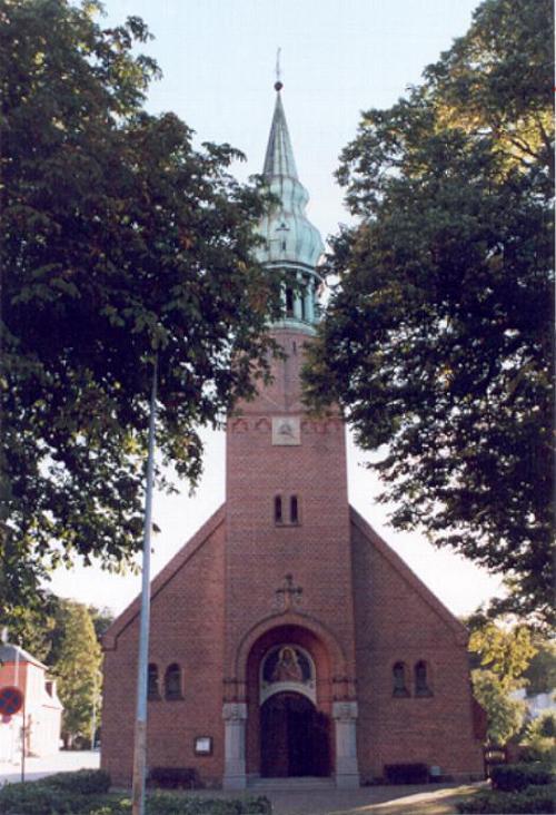 Klik for at se billedet af Frederiksværk kirke i stort