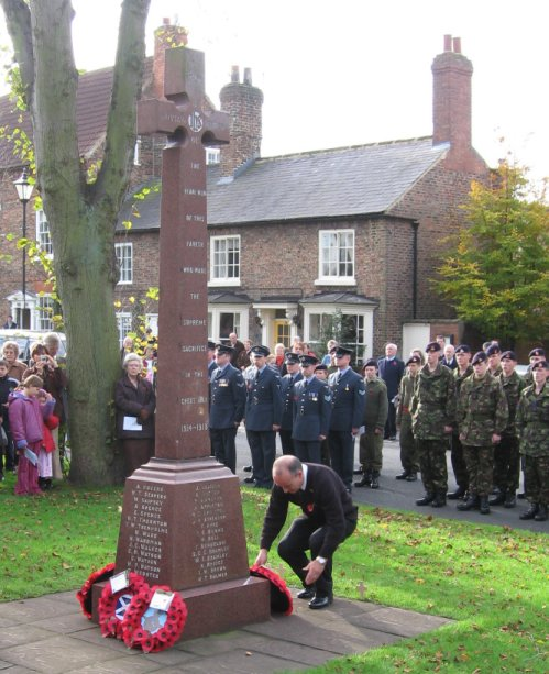 Sowerby War Memorial (on Remembrance Sunday 2006)