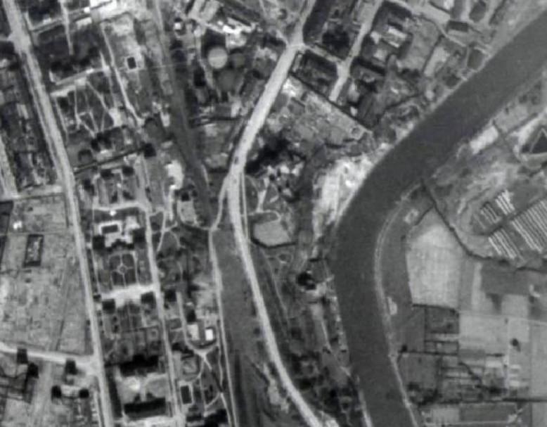 Letecký snímek z roku 1945