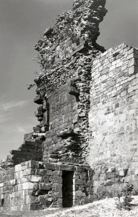 Západní stěna po rekonstrukci na dob. pohlednici