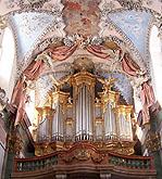 Štuková výzdoba od G. A. Corbelliniho dopl. freskami J. J. Stevense a V. V. Reinera