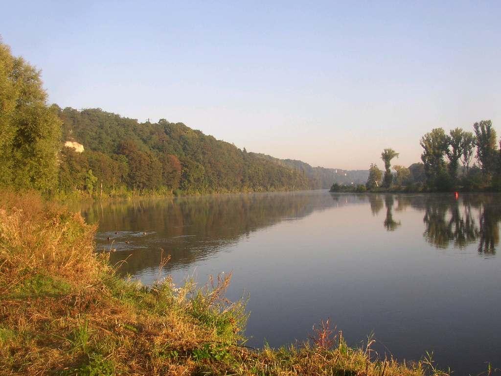 Podzimni rano nad Vltavou.