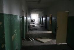 Chodba v budove roty