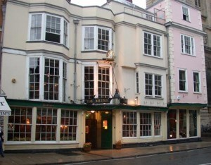 Q1. Name this popular Oxford Inn :)