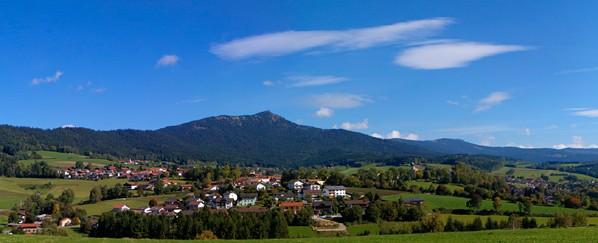 Pohled na Ostrý od bavorského Lamu