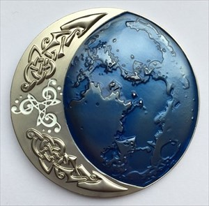 LordT's Hunting the Celtic Moon Geocoin Front