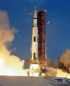 Start nosiče Saturn V (mise Apollo 4)