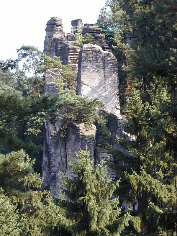 Ervinuv hrad od zapadu