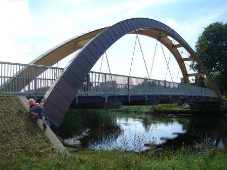 Den flotte limtræsbro mellem Seden og Biskorup