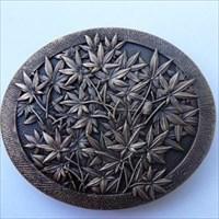 Netsuke - Maple Leaf Geocoin - Antique gold