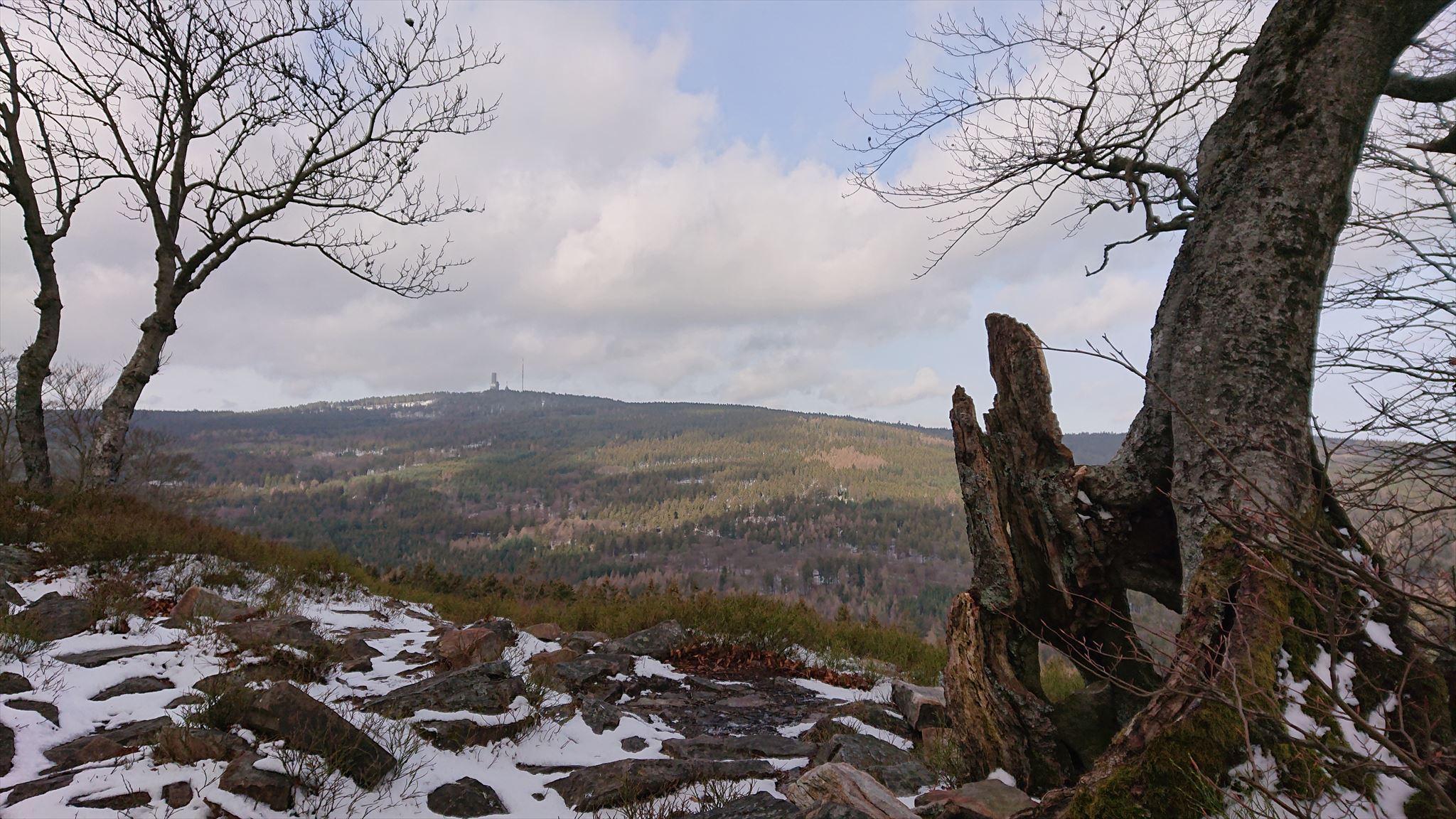 Blick auf den Großen Feldberg von der Weißen Mauer
