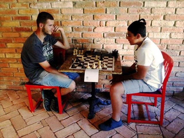 Šachový zápas robiť