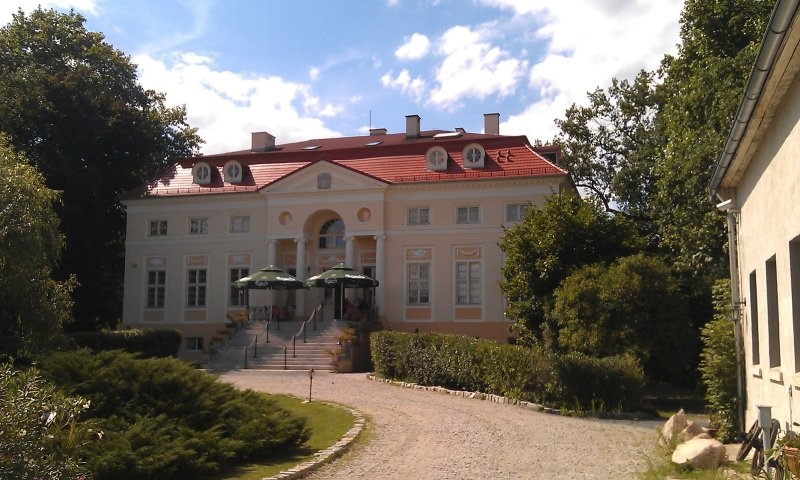 Pałac w Samotworze