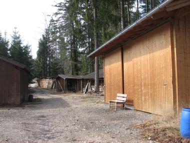 Holz- und Maschinenlager