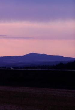 Vlci hora pri soumraku