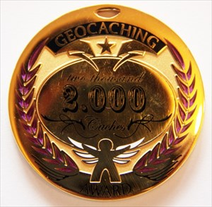 Award Geocoin ~ 2.000 Geocaches