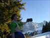 Die Finderin vor Alpenkulisse