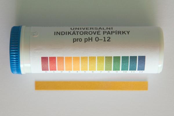 Univerzální pH papírky / Universal pH indicators