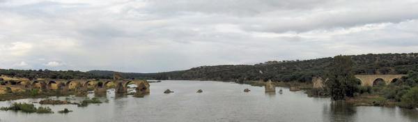 Estado actual da Ponte da Ajuda, vista da nova ponte.