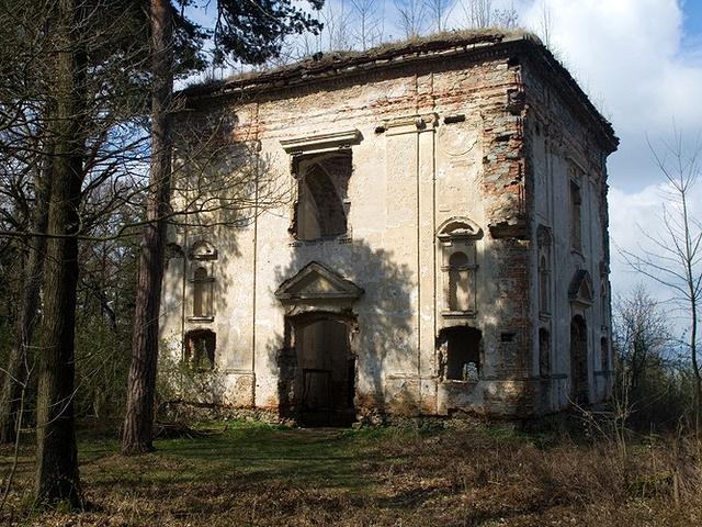torzo kaple sv. Jana nepomuckého