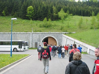 vchod do podzemní haly elektrarny