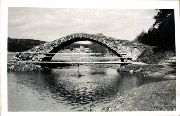 Svedsky most zachyceny na fotografii z roku 1943