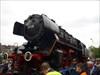 """14 - Auf dem Gelände des Technikmuseums Fast geschafft! Jetzt musste die Lok """"nur"""" noch auf die Schienen."""