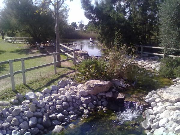 Vistas del canal entre las lagunas