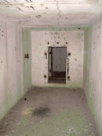 ÚŽ-6a Ostřetín, hlavní místnost