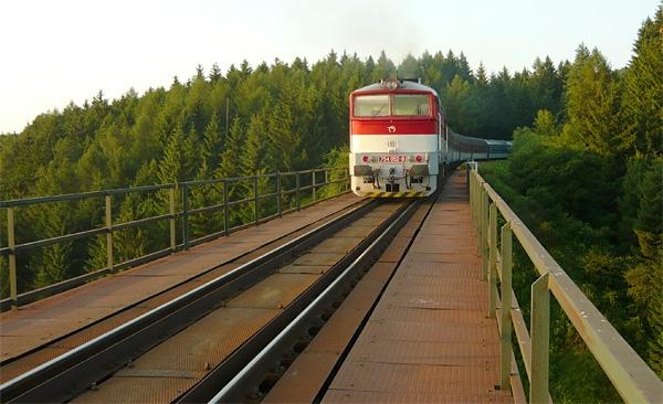 Vl84ik na viadukte
