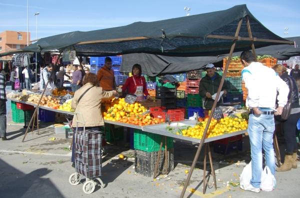 Gc2k5wn mercadillo calle teulada multi cache in - Carro de frutas ...