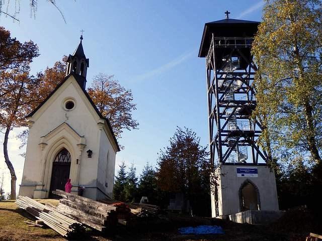 kaple a rozhledna
