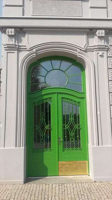 Secesni dveře na bocní strane