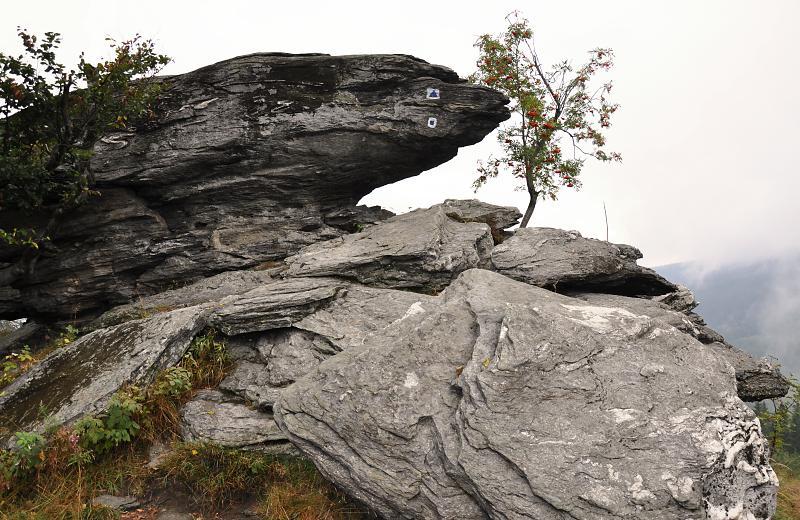 tri kameny