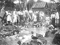 1918 bathing in sulphur thermal spring