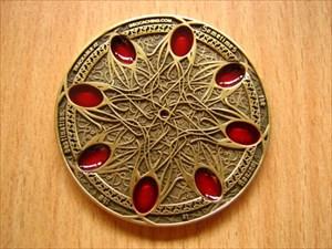 Journey Geocoin antique gold  red (1)
