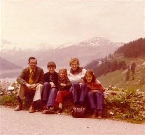 Gezin Molenaar 1975 voor het laatst compleet
