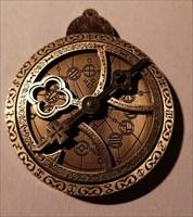 Cosmolabe Geocoin front