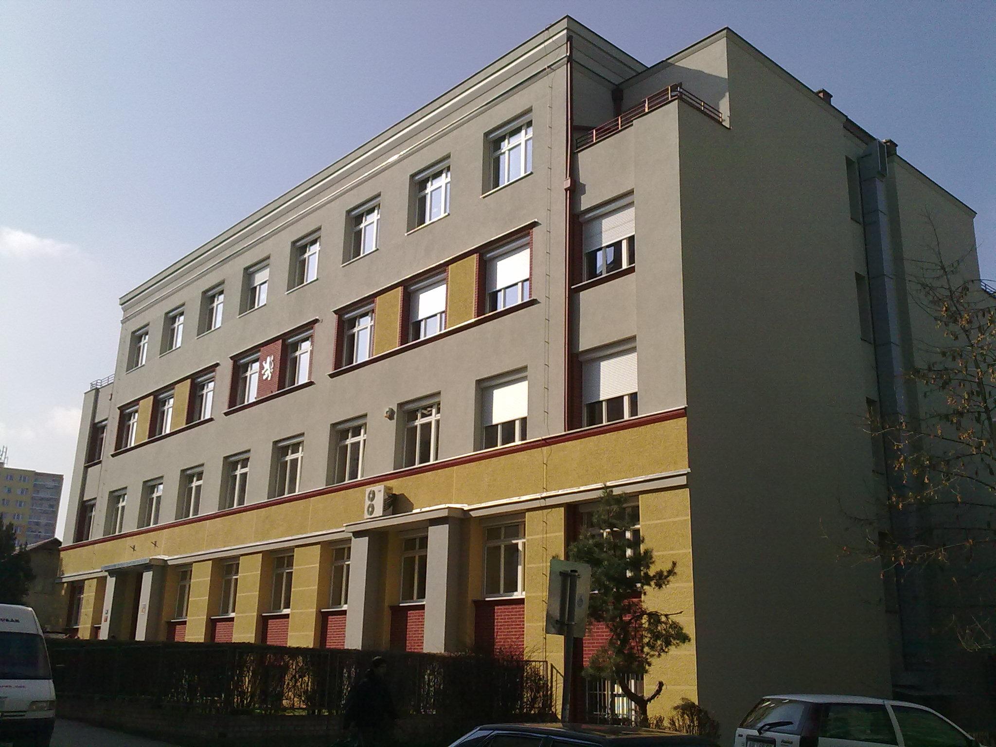 budova Gymnázia po rekonstrukci, která probehla v roce 2011 / Building of the gymnasium after reconstruction in 2011