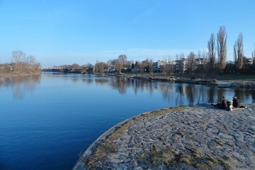 Ústí Řezné do severního ramene Dunaje v Řeznu