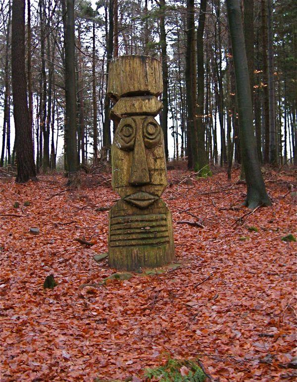 Einsame Statue im Odenwald