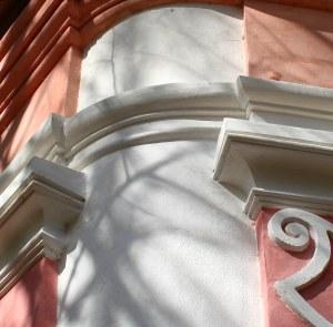 Detail štukové výzdoby fasády
