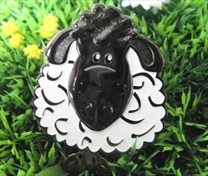 """Black Sheep = """"Kuro-Hitsuji"""""""