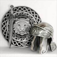 silberner Helm